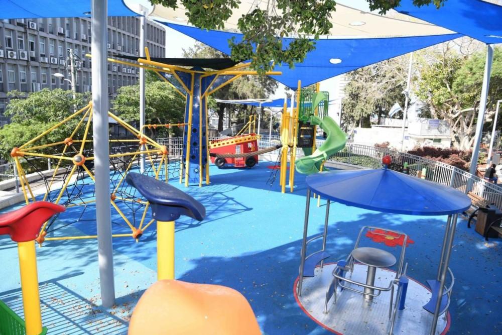 Детская площадка в גן הזיכרון, Хайфа